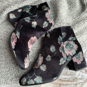 Circus by Sam Edelman zip up floral booties sz 9